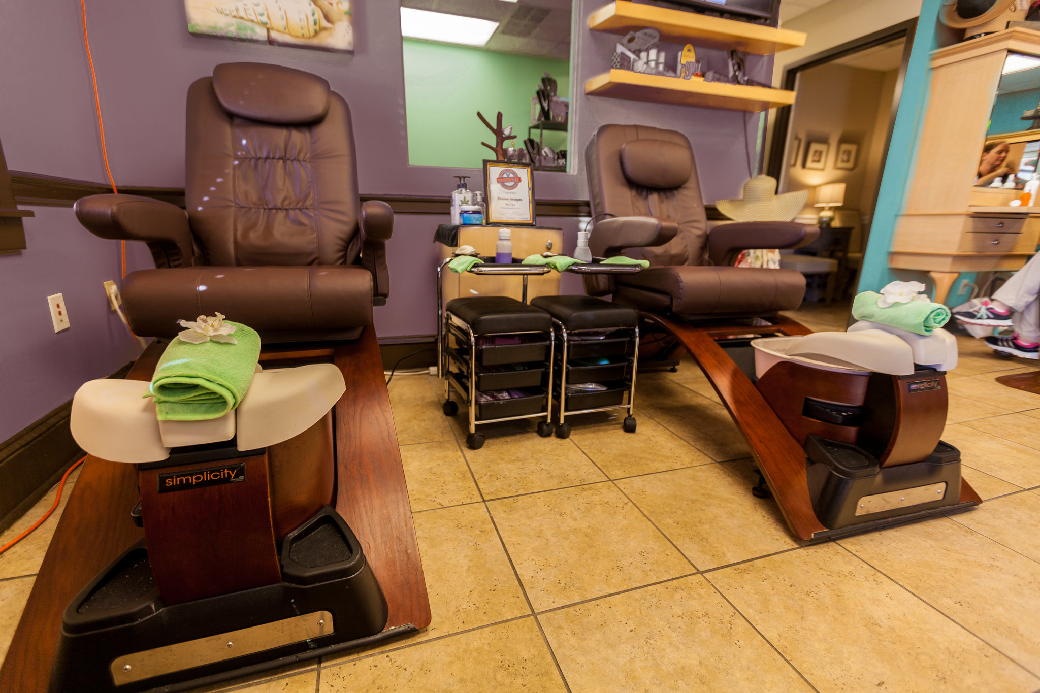 Salon_chairs_S.jpg